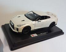 BBURAGO - Nissan GTR 2017 1:24 White