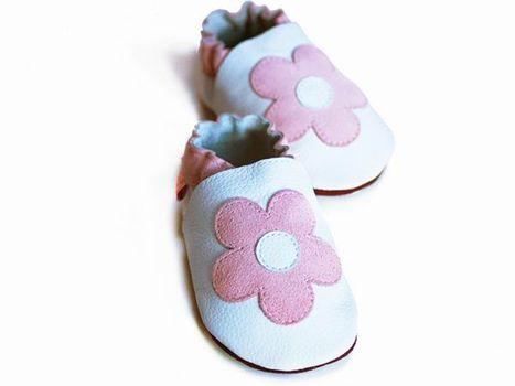 LILIPUTI - Topánky biele s kvetinkami - veľkosť M (12-18 mesiacov)