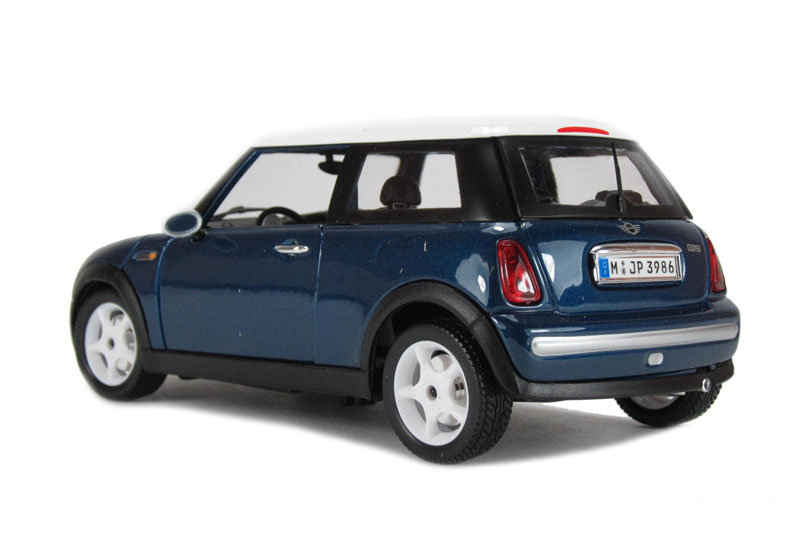 BBURAGO - Mini Cooper 2001 1:18 Gold