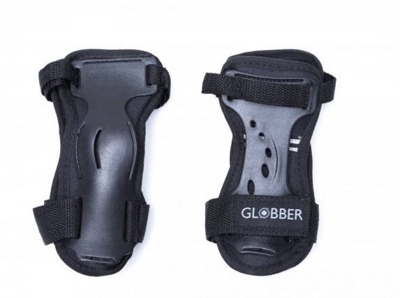 GLOBBER - Sada chráničov pre dospelých M - čierna