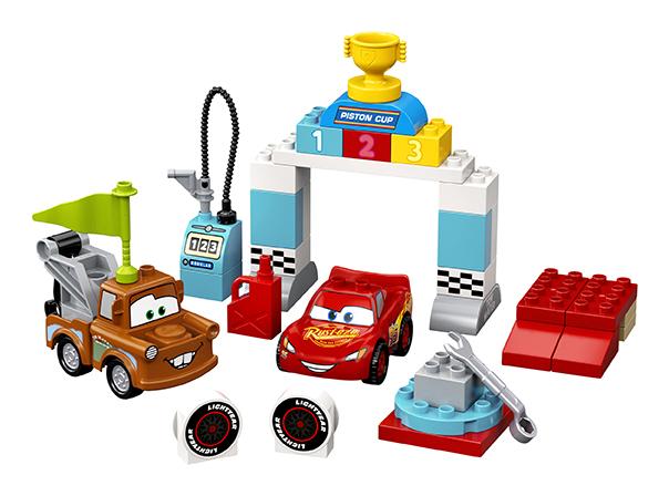 LEGO - Bleskový McQueen a deň pretekov