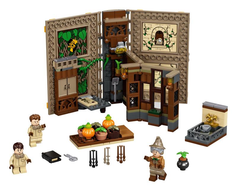 LEGO - Harry Potter 76384 Čarovné momenty z Rokfortu: Hodina herbológie