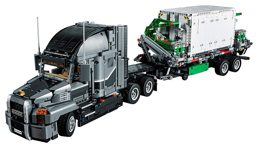 LEGO - Mack Nákladiak