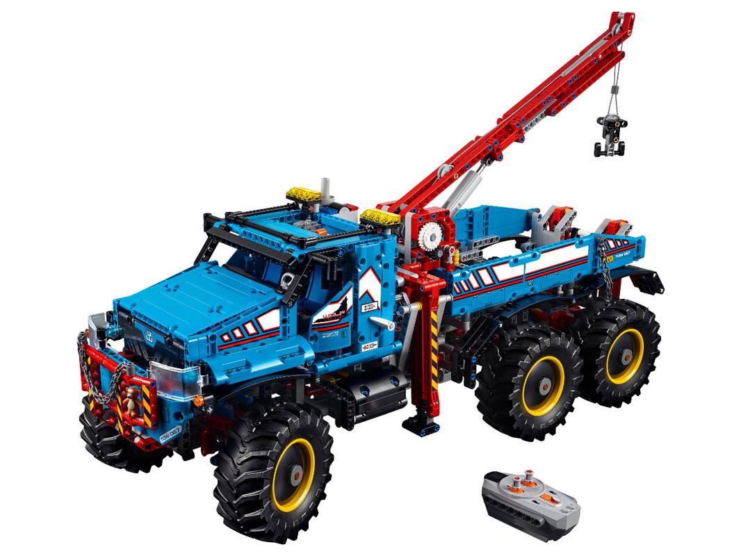 LEGO - Terénne odťahovacie vozidlo 6x6