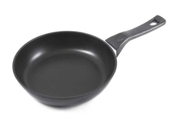 MAKRO - Panvica 28 cm, čierna