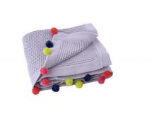 KIKADU - Pletená deka s brmbolcami