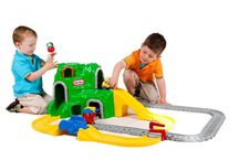 LITTLE TIKES - Sada autodráha a železnica s tunelom