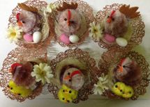 WIKY - Veľkonočné sliepočky v košíčkoch s kuriatkami a vajíčkami