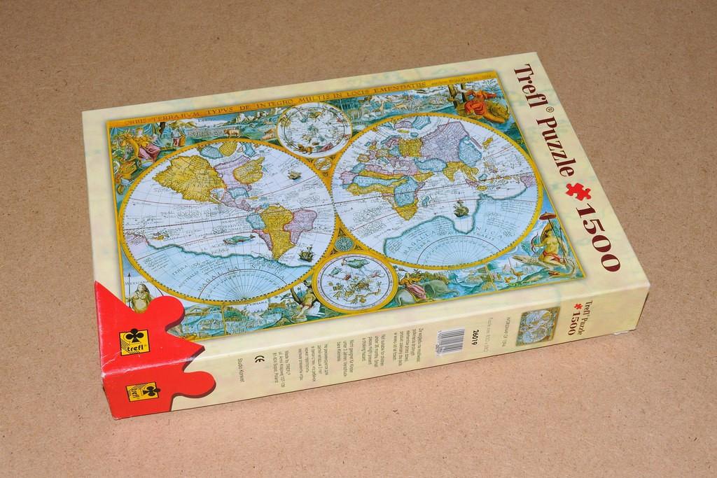 TREFL - Puzzle Mapa sveta 1500
