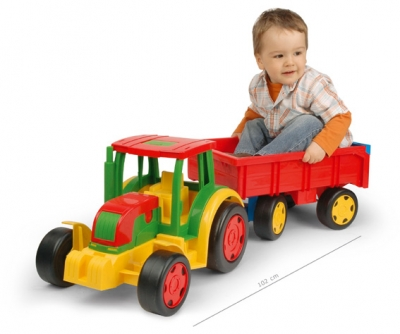 WADER - Traktor gigant s vlečkou